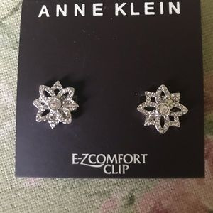 Ann Klein Clip Earrings 💞💞